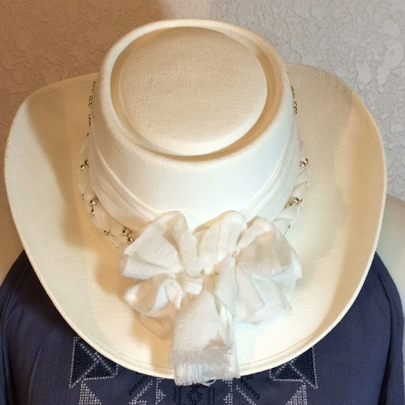 Cowboy Gambler Style Hat with Band